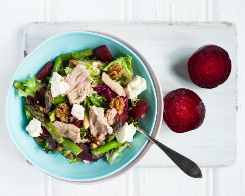 Цветной салат с тунцом