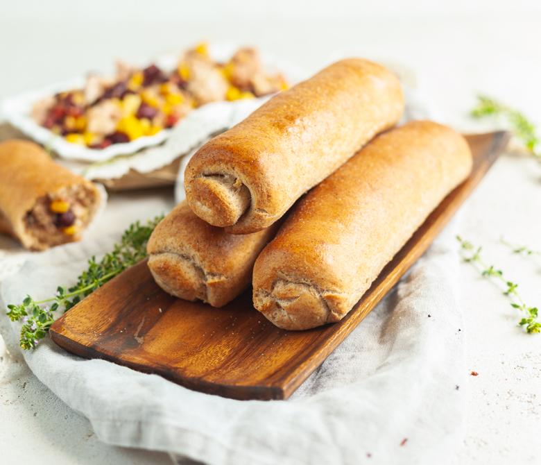 Цельнозерновые хлебцы-пиццы с тунцом по-мексикански
